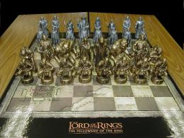 The Lord of the Ring Chess Set